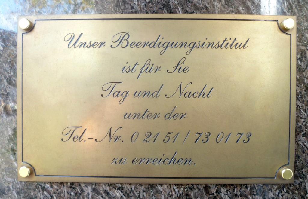 Bestattungshaus Broeckmann 02151-730173